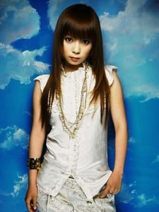 Nagakawa Shoko nem énekelt az eredeti animesorozatban, de több covert készített hozzá.